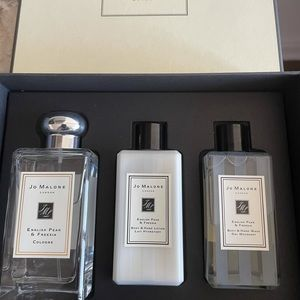 Jo Malone English Pear and Freesia Collection